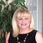 Gayle Cuts My Hair at Hair's 2U Salon, Sarasota FL