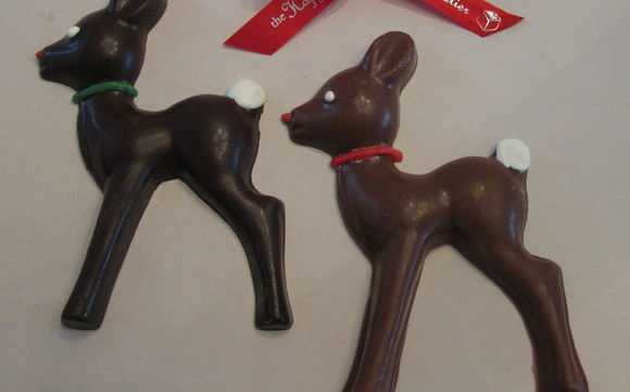 1416856961 reindeer in milk and dark chocolate with bow