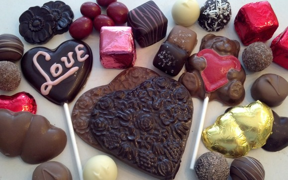 1421272167 valentines day assorted chocolates top close less choco 2014