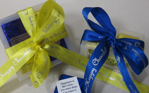 1398423087 blue and gold favors 2