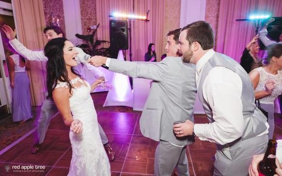 We Provide Wedding DJ Services For Elegant Receptions