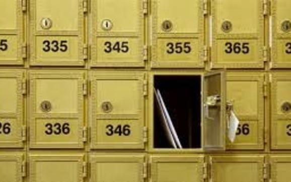 1445637358 mail box