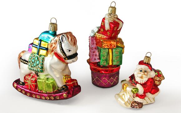 1500470290 obe rocking horse presents santa