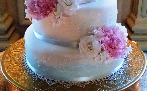 Wedding Cakes and specialty cakes by Cakes By Lilly Wedding Cakes