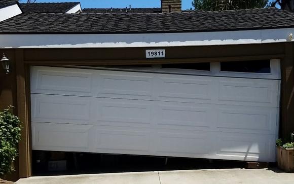 Attractive We Offer 24 7 Garage Door Repair All Over Orange County, We Repair Garage  Door Off Track, Cable Repair, Garage Door Panel Repair, Broken Hinge, ...