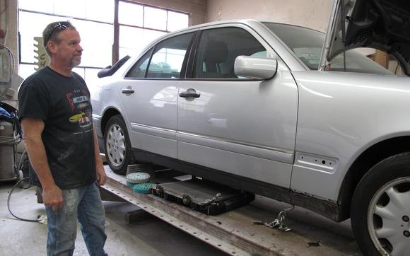 1445631655 2014 05 13 11.26.42 hansen silver car mercedes