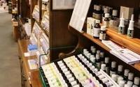 1491611893 essential oil aisle