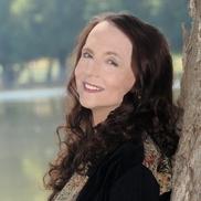 Kathryn Davis Bestselling, Award-winning Author & Editor, Riverside CA