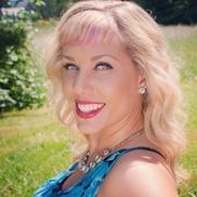Jocelyn DeChenne from Hair and Makeup by Jocelyn DeChenne